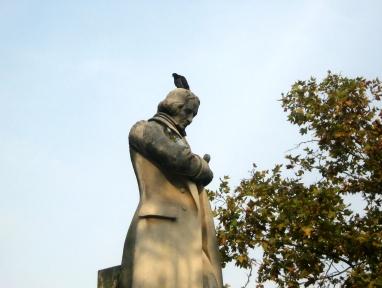 statue croix rousse.jpg